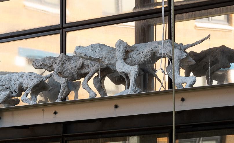T.Léo - sculptures sur façade sud de la B.U. ©David VERNIER - Université Jean Moulin Lyon 3