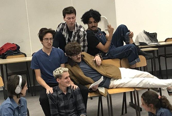 étudiants de l'atelier de création théâtrale - Le Rayon Vert